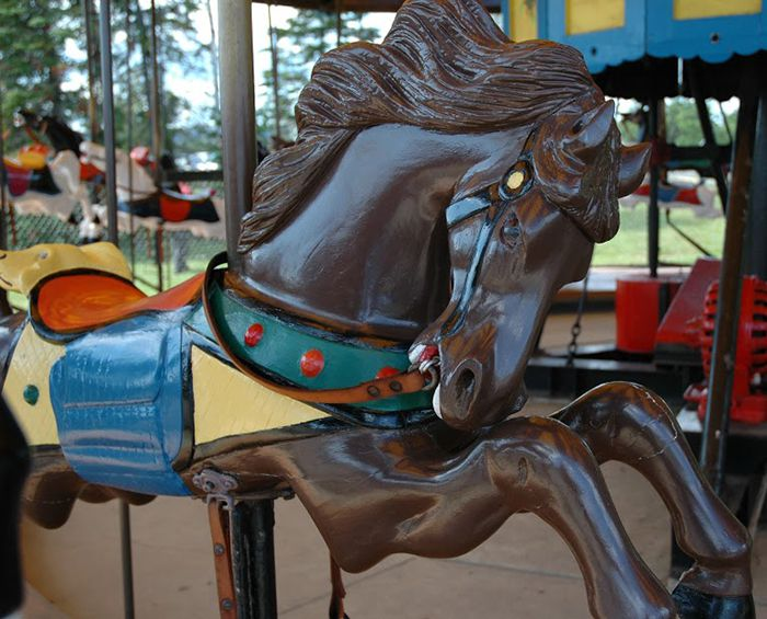 Chippewa Park 102-year-old C.W. Parker Carousel  Lake Superior News